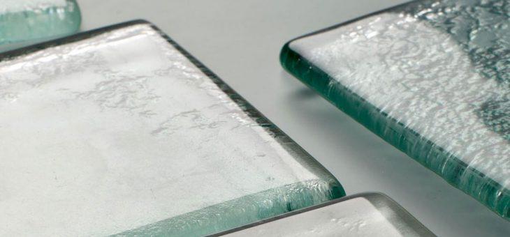 montaż kafelków szklanych
