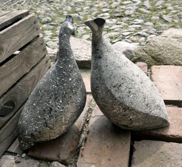 dwie ceramiczne perliczki