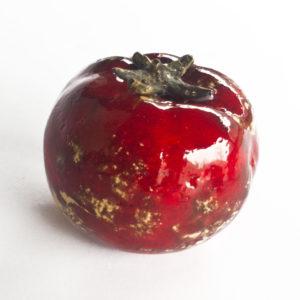 czerwony, ceramiczny pomidor